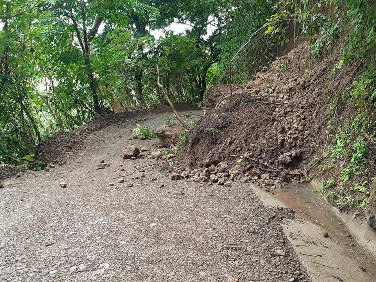 Las lluvias de las últimas horas en Arcatao han provocado deslizamientos de tierra y piedras en algunos lugares de nuestro municipios