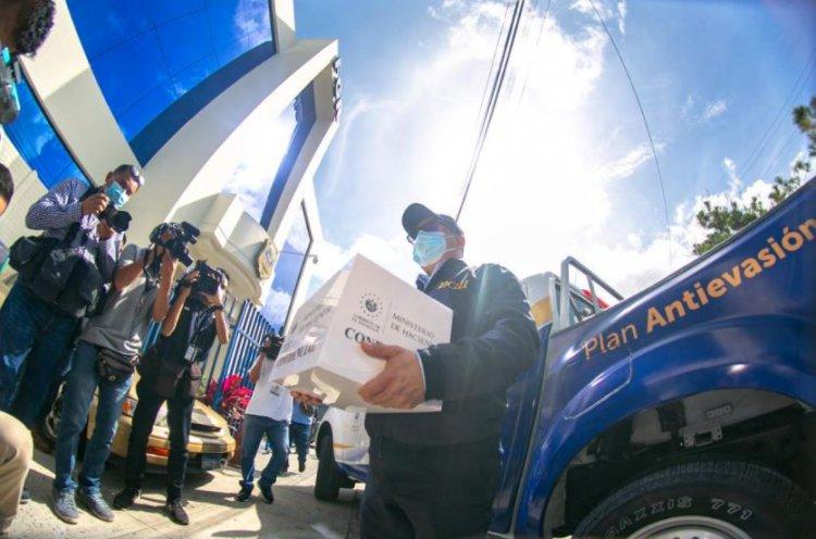 Hacienda presenta siete avisos contra empresas por presunta evasión fiscal de $1.8 millones